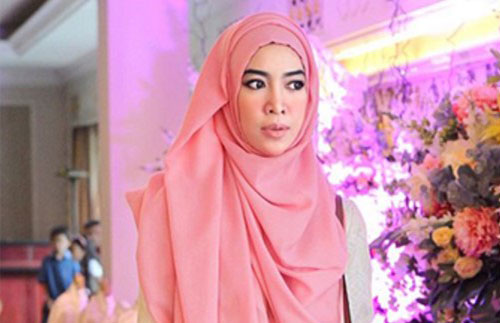Model Hijab Pesta Simple