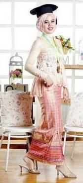 Gaun Kebaya Muslim 37