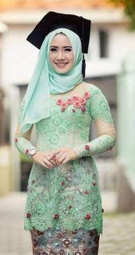Kebaya Muslim Wisuda 25
