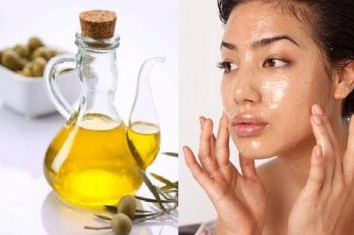 Cara Menghilangkan Flek Hitam Di Wajah Yang Membandel dengan minyak zaitun
