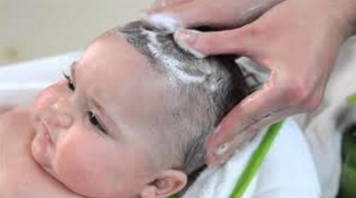 Cara Penggunaan Minyak Zaitun Untuk Rambut pada bayi