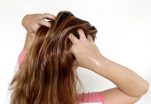 Cara Penggunaan Minyak Zaitun Untuk Rambut yang mengembang
