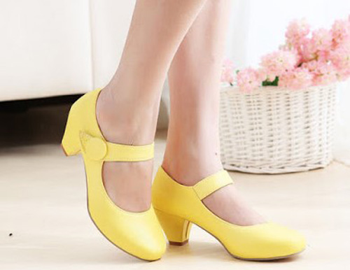 Marry Jane atau Dolly Shoes