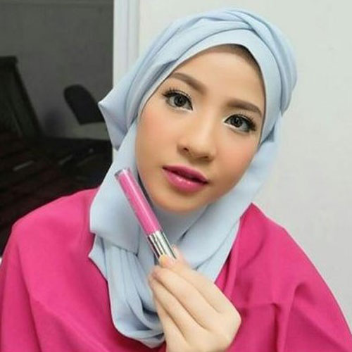 Warna Lipstik Untuk Bibir Tebal berry