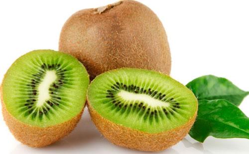 cara mengurangi keringat berlebih buah kiwi
