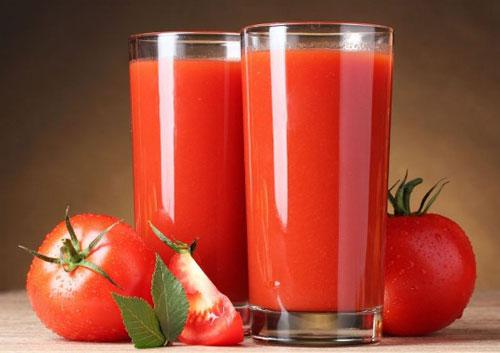 cara mengurangi keringat berlebih jus tomat