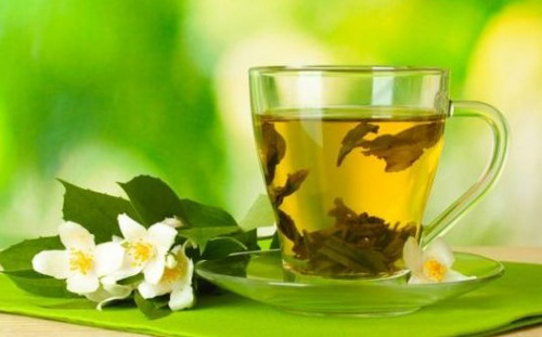 cara mengurangi keringat berlebih teh hijau