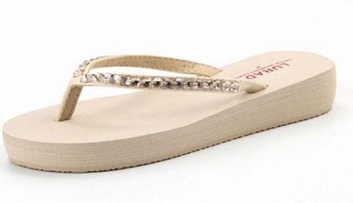 Model Sandal Jepit Santai