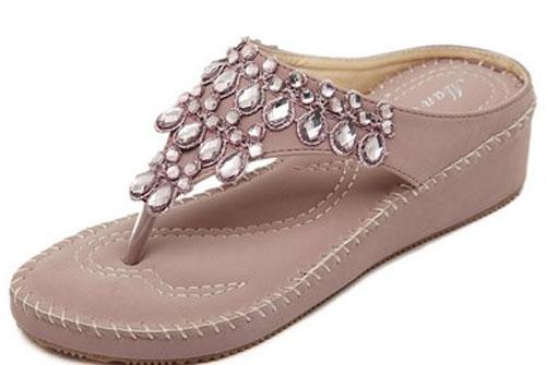 Model Sandal Jepit Wanita Modern