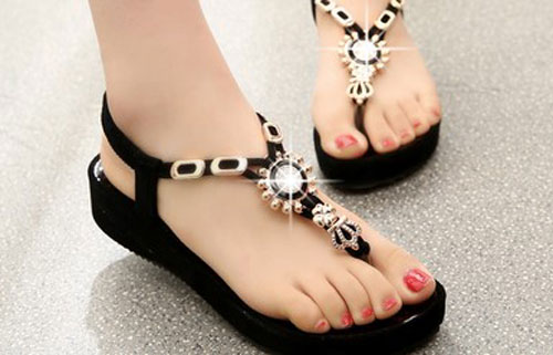 Model Sandal Modis Wanita