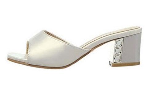 Model Sandal Pesta