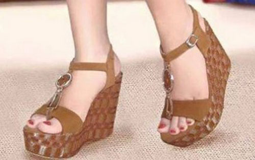 Model Sandal Simple Wanita