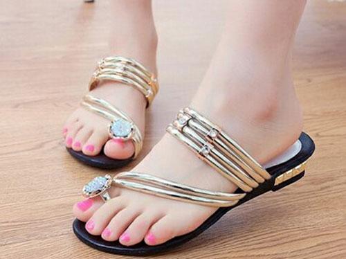 Model Sandal Wanita Terbaru Simple