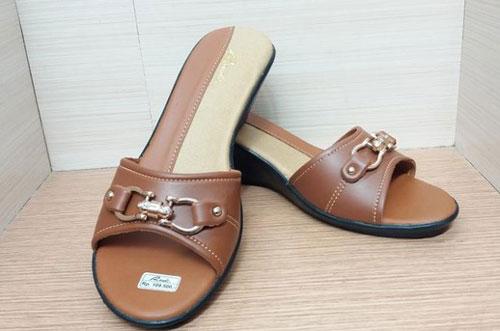 Sandal Wanita Merk Rindi Trendy