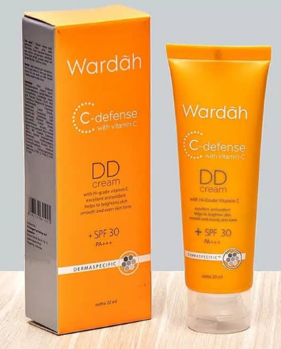 11. Wardah C Defense DD Cream