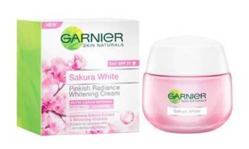 Garnier Sakura White Pinkish Radince Whitening Cream