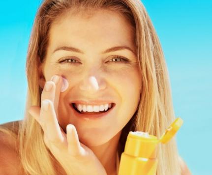 Sunscreen Untuk Kulit Berminyak Terbaik dan Terbaru