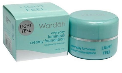 Wardah Creamy Foundation Light Feel