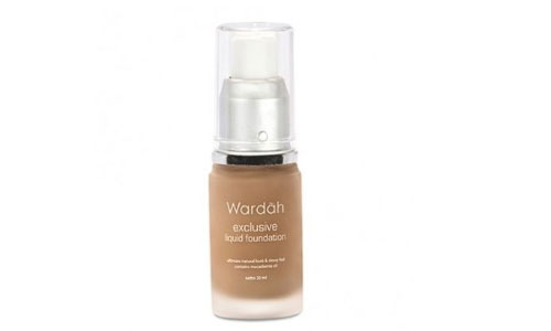 Wardah Exclusive Liquid Foundation Sandy Beige