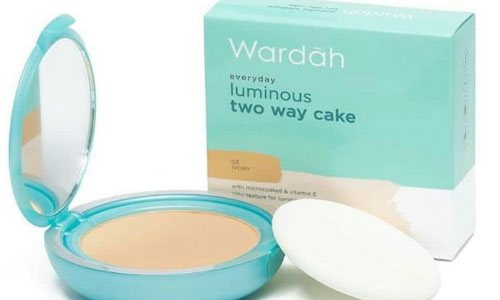 Wardah Luminous Two Way Cake 1