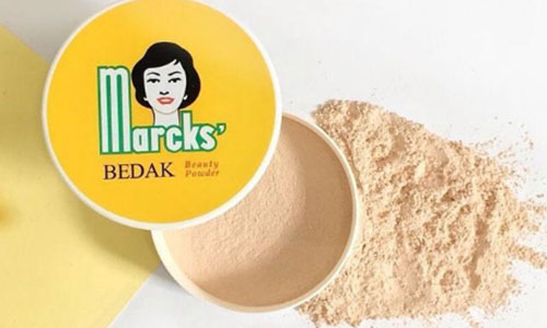 3. Bedak Marcks Warna Invisible