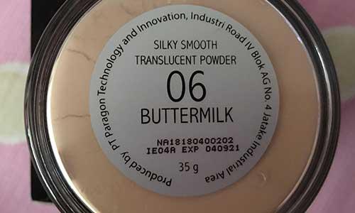 6. Bedak Tabur Make Over Warna Buttermilk
